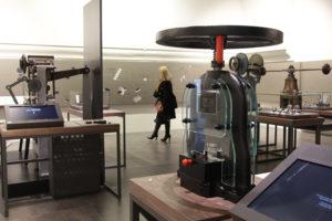 balancier dans le Musee du 11 Conti